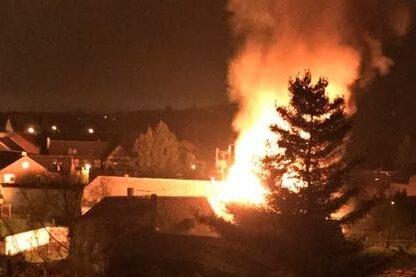Altchrieschwitz: Scheune geht in Flammen auf