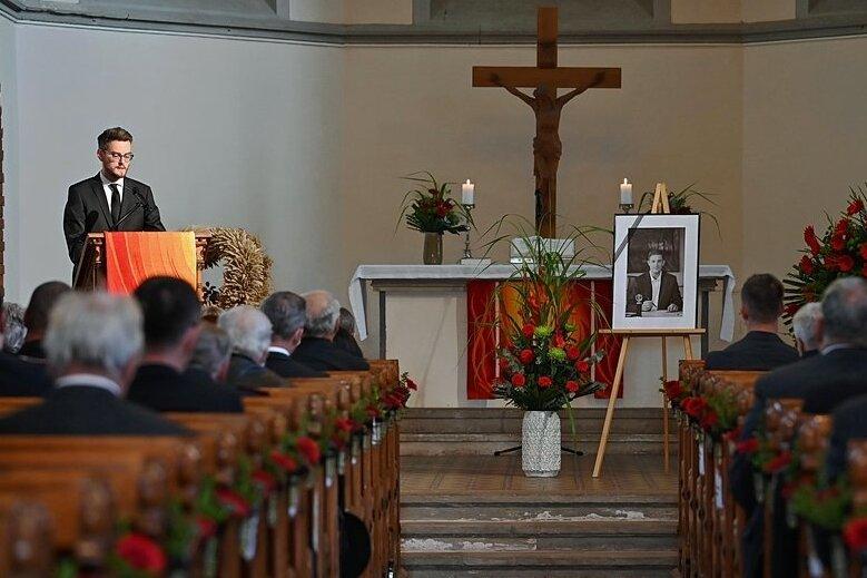 200 geladene Gäste nahmen am Freitag in der Lutherkirche Abschied von Limbach-Oberfrohnas Oberbürgermeister Jesko Vogel. Robert Volkmann, sein hauptamtlicher Stellvertreter sprach voller Hochachtung von seinem Chef.