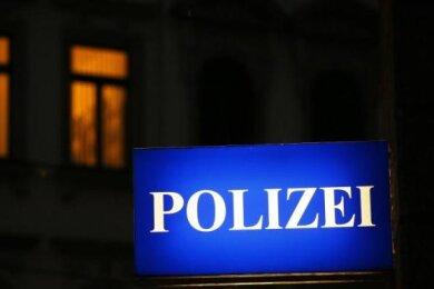 Ein Straßenmusikant hat über Wochen Anwohner der Reichenbacher Bahnhofstraße regelmäßig Sonntagmorgen aus dem Schlaf gesungen. Bis die Polizei ihm einen Platzverweis erteilt hat.