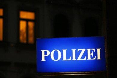 In Annaberg-Buchholz haben Diebe aus einem Jugendclub Geld und eine Spielkonsole gestohlen.