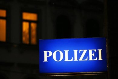 Mit einem gezündeten Blitzknaller haben Unbekannte am Donnerstag in Plauen zwei Briefkästen beschädigt.