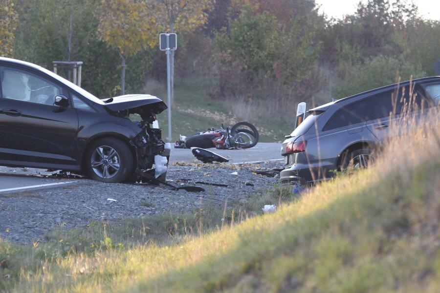 Ein tödlicher Unfall hat sich am Samstagnachmittag in Oelsnitz/V. ereignet.