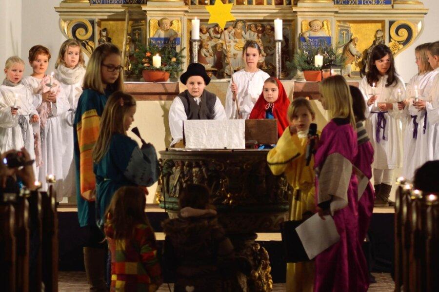 Zu Heiligabend strömen eigentlich jedes Jahr hunderte Besucher in die Kirchen. Anziehungspunkt ist dabei auch das jährliche Krippenspiel, wie hier vor wenigen Jahren in der Peniger Stadtkirche. Doch dieses Mal ist alles anders.Aufführungen gibt es nicht.