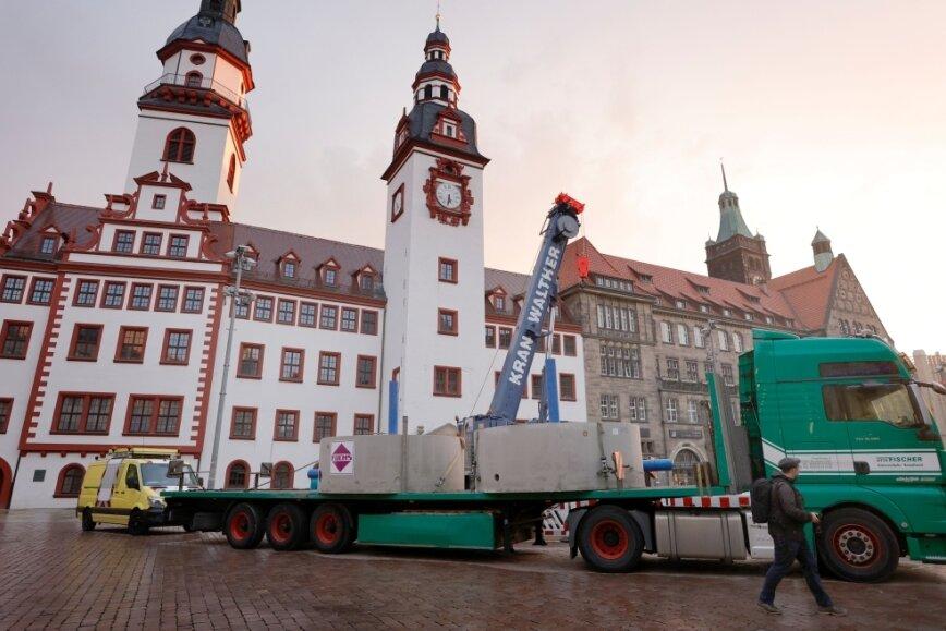 Der Chemnitzer Marktbrunnen wird erneuert.