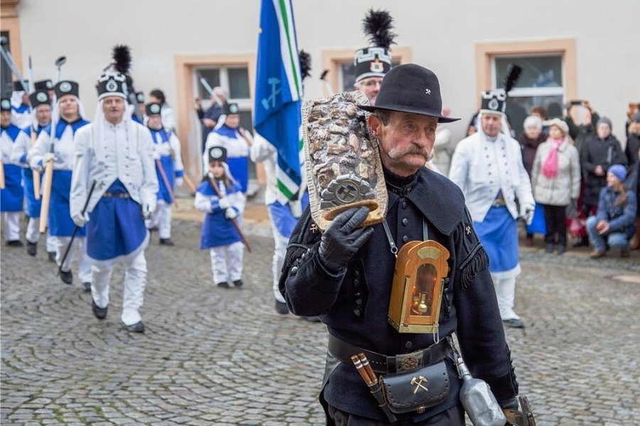 Von Tradition und Corona: Die Annaberger Bergparade, die traditionell am 4. Adventssonntag stattfindet, wird es aller Wahrscheinlichkeit nach in diesem Jahr nicht geben.