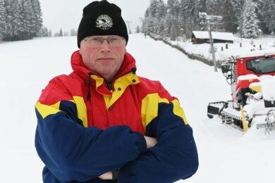 Christoph Beetz, Vorsitzender des Ski-Club Carlsfeld am Skilift, der sich diese Saison nicht dreht.