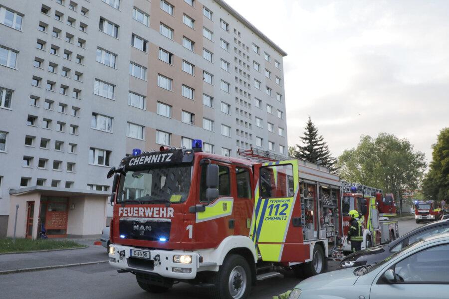 Wegen Rauchentwicklung rückte die Feuerwehr am Freitagabend in die Chemnitzer Scharnhorststraße aus.