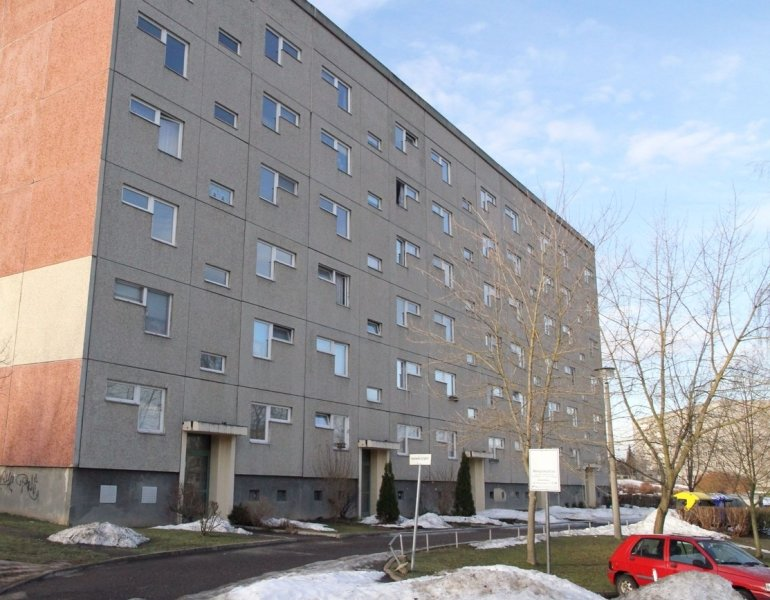 """<p class=""""artikelinhalt"""">Der Plattenbau Alexander-Lincke-Straße 36 bis 44 im Wohngebiet Sorge soll in diesem Jahr abgerissen werden. Den derzeit 34 Mietern will die GGV Alternativen anbieten.</p>"""