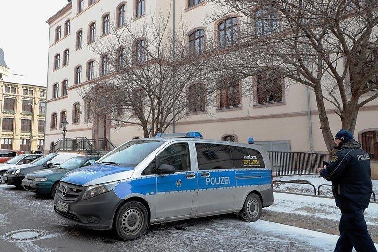 Glückliches Ende: An dieser Oberschule auf dem Sonnenberg wurde der Zwölfjährige am Montagmorgen von Polizeibeamten aufgegriffen. Foto: Härtelpress