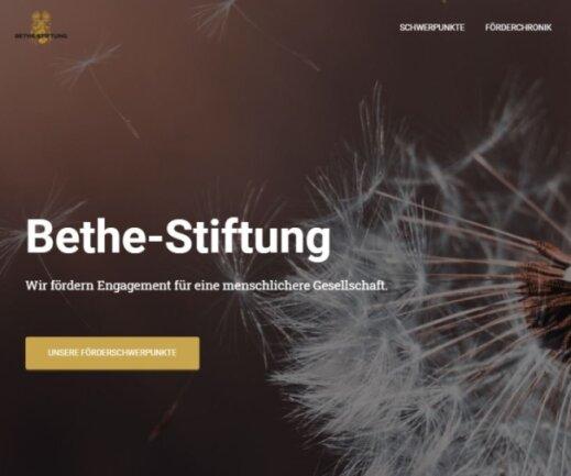 Die Internetseite der Bethe-Stiftung - mit Pusteblume. In Chemnitz haben sich drei Träger sozialer Projekte über eine 30.000-Euro-Spende gefreut, sind aber irritiert, weil offenbar das Doppelte versprochen war und sie trotz Kontaktversuchen nichts mehr von der Stiftung hörten.
