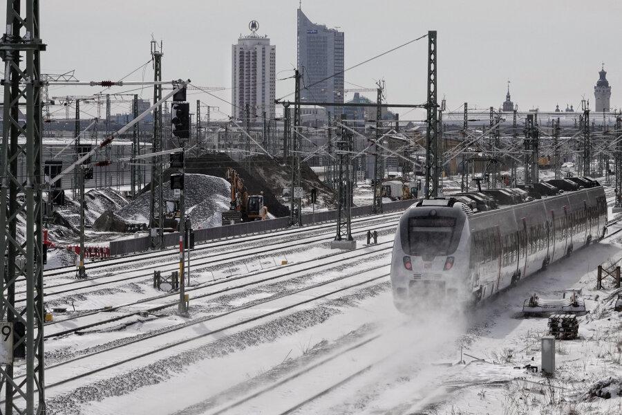 Winterwetter: Bahn kann Zugausfälle noch nicht erklären
