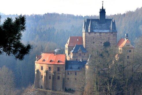 """<p class=""""artikelinhalt"""">Die Straße zur Burg Kriebstein soll flacher, die steile Kurve entschärft und ein Fußweg gebaut werden - so will es die Bürgerinitiative. </p>"""