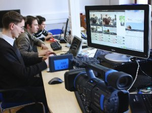 Medieninformatiker der TU Chemnitz testen die automatische Identifizierung von Objekten und Personen in Videofilmen.
