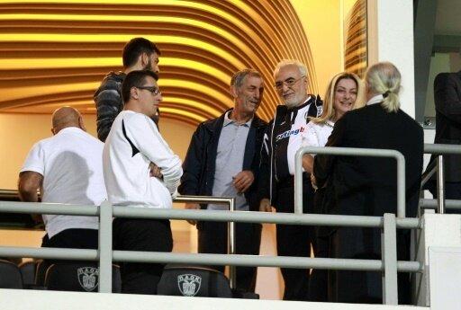 PAOK-Präsident Ivan Savvidis (3.v.r.) sorgt für Wirbel