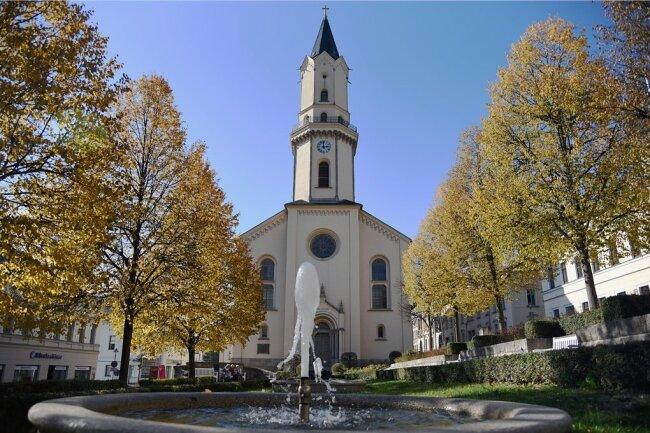 Die Nicolaikirche Markneukirchen bietet zur Nacht der offenen Kirchen ein umfangreiches Programm. Unter anderem findet ein Lesung in der Turmstube statt.