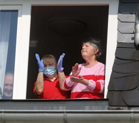 Bewohner und Personal des Hewag-Seniorenstiftes in Lichtenstein hießen das Konzert der Hutzenbossen am Donnerstag eine willkommene Abwechslung.