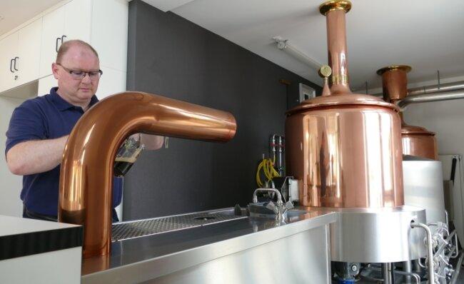 Jan Görner leitet das im vergangenen Jahr eröffnete Kultur- und Begegnungszentrum. Im Zuge des rund 500.000 Euro teuren Umbaus blieb vom einstigen Gasthof nur die kleine Brauerei erhalten.