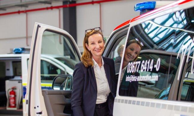 Geschäftsführerin Cathrin Wilhelm an einem der von Binz komplettierten Sonderfahrzeuge. Das Thüringer Unternehmen hatte das MAN-Werk Plauen am 1. April übernommen. Doch nicht alle Mitarbeiter wechseln mit.