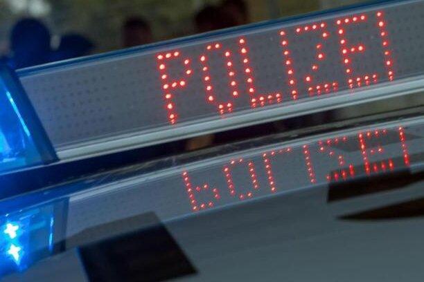 Sattelzug in Zwönitz umgekippt: Gut 150.000 Euro Schaden