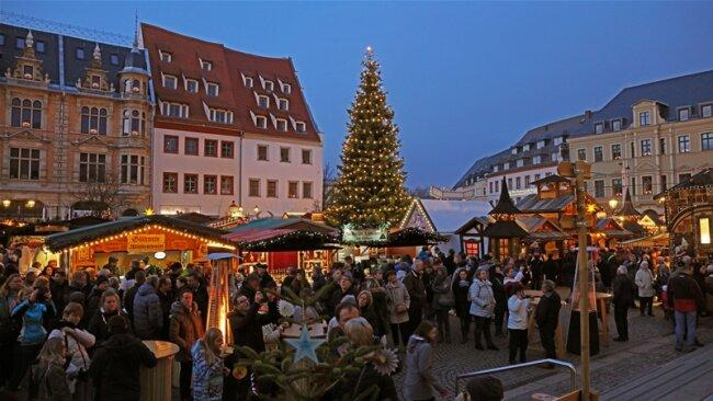 Kurz bevor die Hütten auf dem Zwickauer Weihnachtsmarkt für dieses Jahr schließen, hat der Veranstalter Kultour Z. ein positives Fazit gezogen.