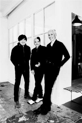Bassist Rod Gonzales, Schlagzeuger Bela B. und Gitarrist Farin Urlaub (von links, alle drei singen auch) sind Die Ärzte.