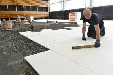 Die Oberschönaer Turnhalle erhält einen neuen Sportboden.
