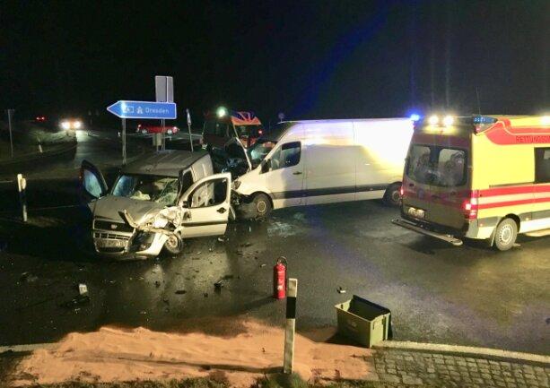 Drei Verletzte gab es bei einem Unfall am Dienstagabend bei Glauchau.