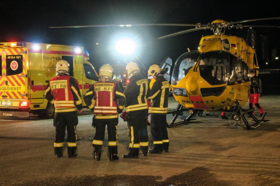Aue: Patient in Not - Rettungshubschrauber landet auf Ersatz-Platz