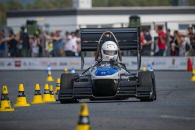 Der Rennwagen des Freiberger Studententeams fuhr in die Top 5 der Weltrangliste, hier am Start in Hockenheim.