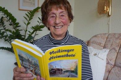 """Margot Nürnberger, geboren 1930 in Gunzen, schreibt noch immer Geschichten für den """"Neikirnger Heimatboten""""."""