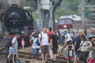 Das Heizhausfest mit jeweils Tausenden Besuchern ist eines der größten Eisenbahnfeste in Ostdeutschland.