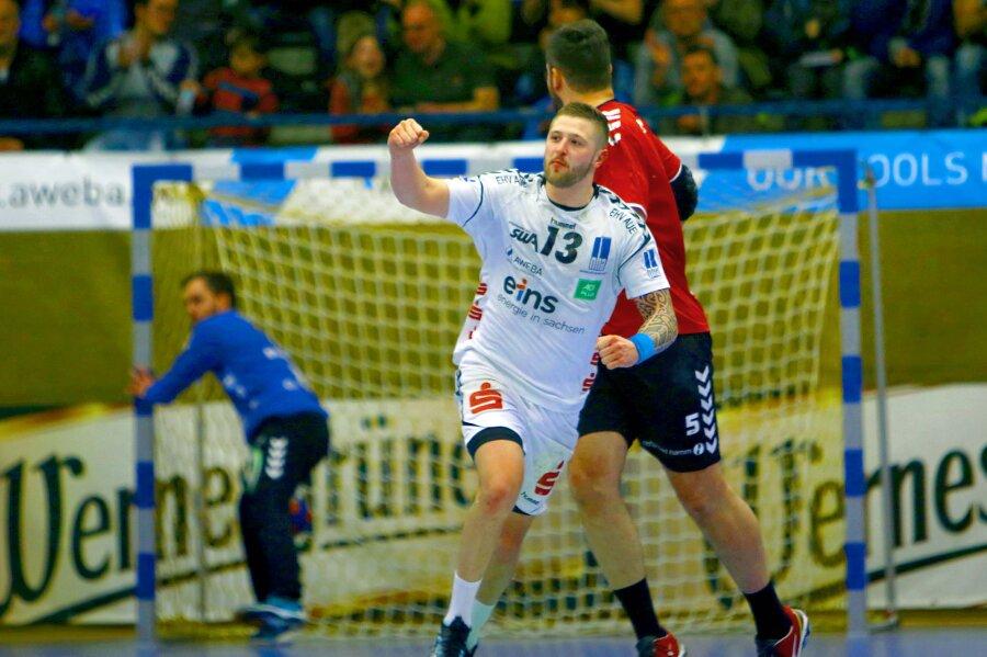 Mindaugas Dumcius (Aue) nach einem Treffer in Jubelpose - die gesamte Partie konnten die Auer jedoch nicht gewinnen.