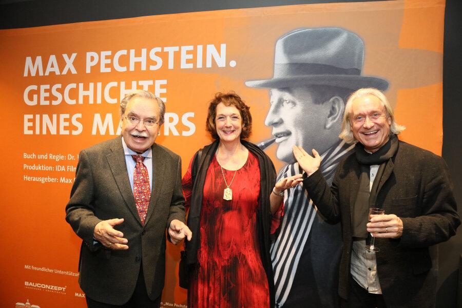 Kurz vor der Premiere: v.l.n.r. Enkel Alexander Pechstein (81), Enkelin Julia Pechstein und Regisseur Dr. Wilfried Hauke.