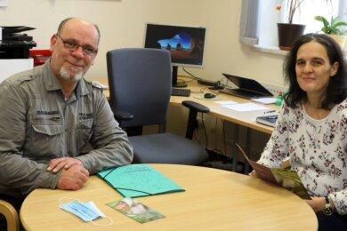Sven Obst mit der Leiterin der Beratungsstelle Conny Rosemann-Dittrich.