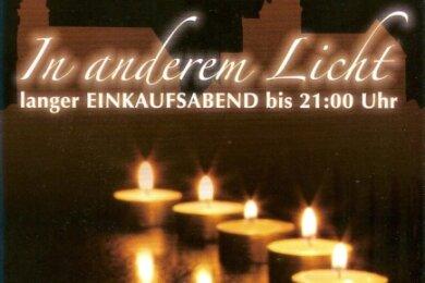 Stimmungsvolle, aber zurückhaltende Werbung für den Einkaufsabend, den es am Freitag in der Alt- und Vorstadt von Schwarzenberg gibt.