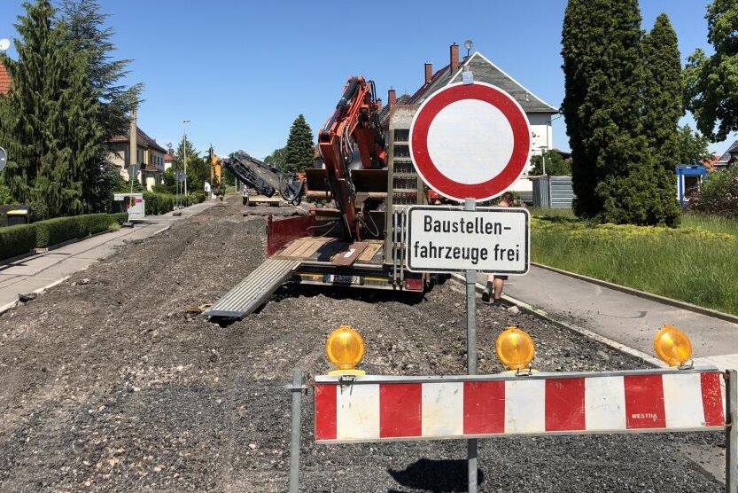 Die Zwickauer Frühlingsstraße zwischen Veilchenweg und Frühlingsstraße 43 wird am Freitagnachmittag wieder für den Verkehr freigegeben.