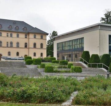 Schlosspalais und Daetz-Centrum in Lichtenstein.