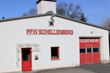 Zu klein und nicht mehr zeitgemäß: Das derzeitige Feuerwehrgerätehaus Schellenberg.