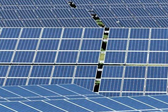 Hunderte Solarmodule gestohlen - Polizei sucht Zeugen
