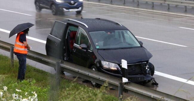 Unfall auf der A 4 bei Glauchau: Ursache war Aquaplaning.