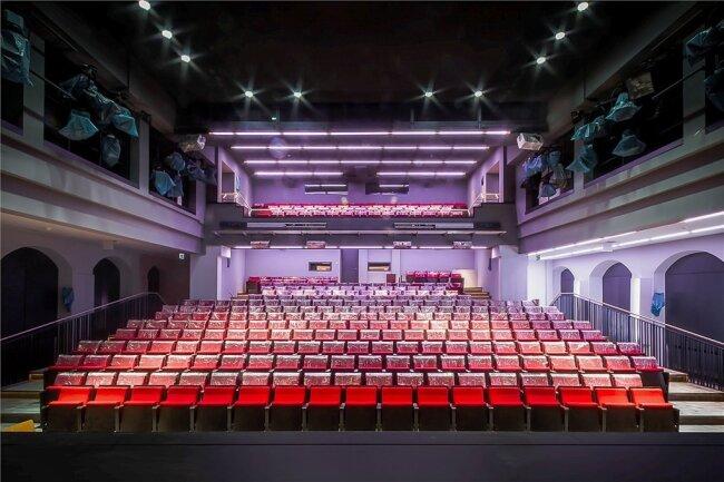 Blick in den Theatersaal. Stress gab es hier mit der Bestuhlung.