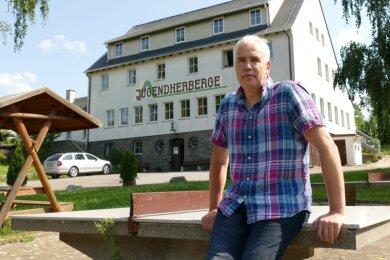 Er macht sich Sorgen um seine Zukunft in der Jugendherberge Warmbad: Thomas Georgiew.