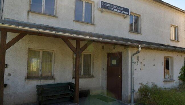 Verschlossene Tür: Der Jugendclub in Siebenlehn kann derzeit nicht besucht werden.
