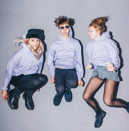 Die Chemnitzer Band Blond ist auf dem Absprung: Nina Kummer, Johann Bönitz und Lotta Kummer (von links).