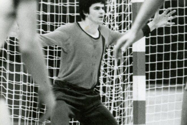 Ein Schrecken für jeden Rückraumschützen: Handball-Torwart Siegfried Voigt zu aktiven Zeiten.