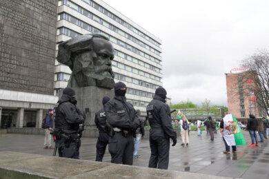 360 Polizisten sicherten die Kundgebung am Marx-Kopf ab.