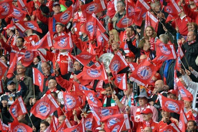 Nicht nur die Bayern-Fans sind obenauf. Dem deutschen Profifußball geht es zumindest in der ersten Liga wirtschaftlich blendend.