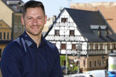 Pierre Schwarzenberg (30) ist gebürtiger Hohenstein-Ernstthaler. Als Coach möchte er Menschen aus ganz Deutschland dabei helfen, mehr Glück und Erfüllung in ihr Leben zu holen.