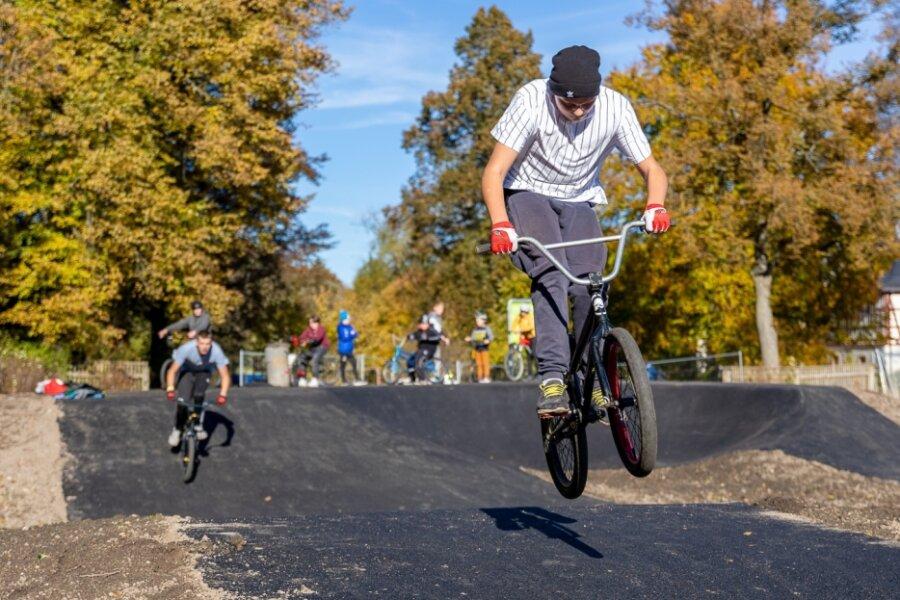 Parcours lockt junge Biker  in Scharen