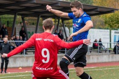 Philipp Rauthe (r.) bestritt im Herbst nach seiner Verletzung zwei Partien in der zweiten Mittweidaer Mannschaft in der Mittelsachsenliga. Das Duell in Rochlitz, hier mit Max Deitert, ging aber 1:3 verloren.